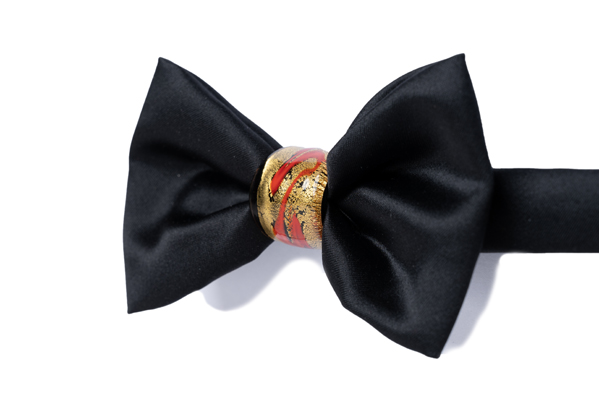Papillon Duca nodo Gioiello - DNN0202 - Seta rena - Nodo nero, rosso e oro 24Kt 2